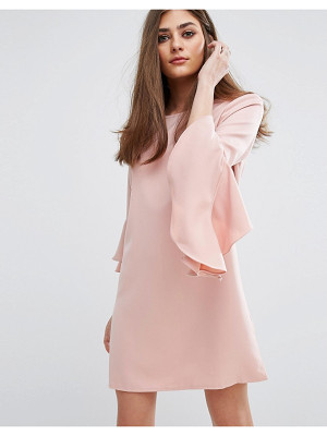 MISSGUIDED Ruffle Flute Sleeve Shift Dress