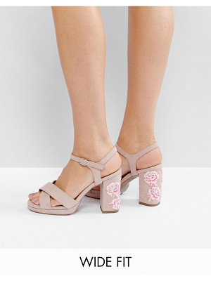 NEW LOOK WIDE FIT Embroidered Platform Heel