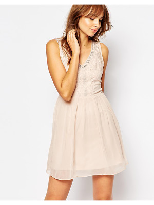 VERO MODA Lace Detail Dress