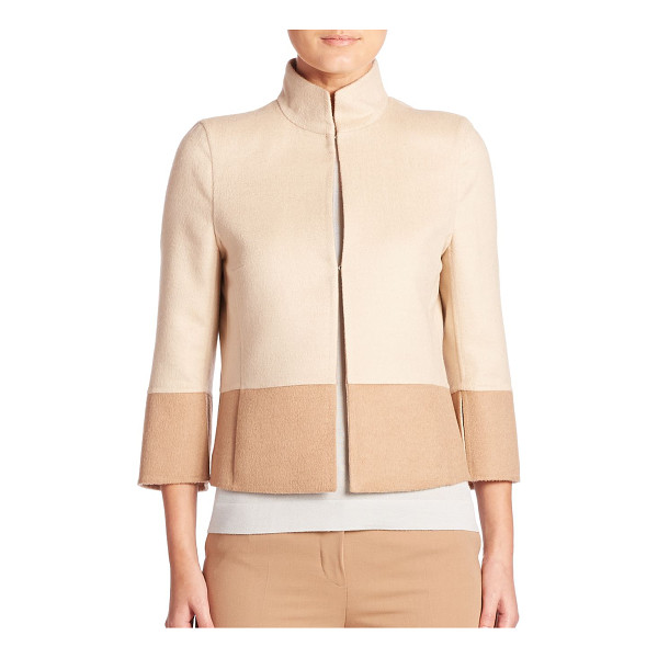 AKRIS reversible two-tone cropped jacket - Reversible two-tone jacket crafted in double-face fabric....