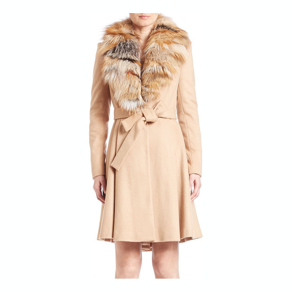 ALICE + OLIVIA Nikita fox-fur trimmed coat - Plush fox fur trims the collar of this luxe belted...