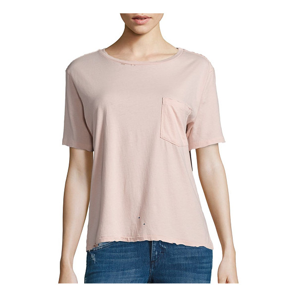 AMO tomboy pocket t-shirt - Breezy T-shirt highlighted with subtle distress details....