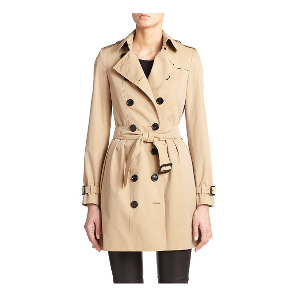 BURBERRY LONDON Edenborough pleat-back short trenchcoat - Shorter and smarter than a traditional trench, but with all...