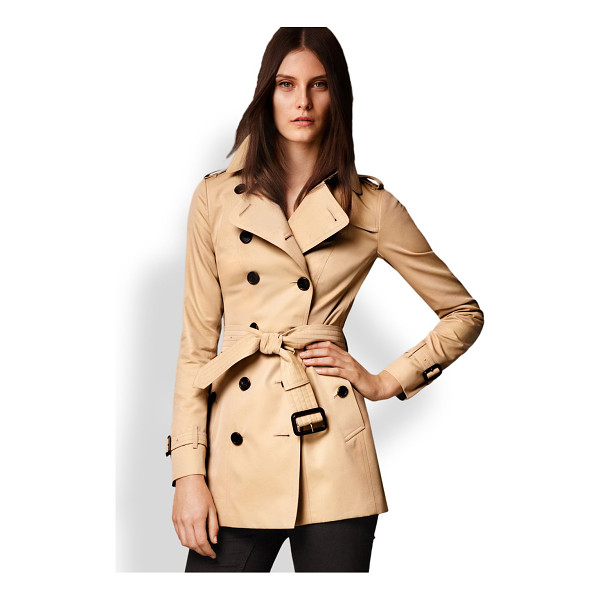 BURBERRY LONDON Sandringham short heritage trench coat - Cut from fine cotton gabardine and lined the house's...