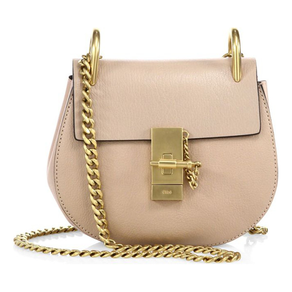 CHLOE drew mini leather saddle crossbody bag - Iconic leather saddle bag with radiant goldtone hardware....