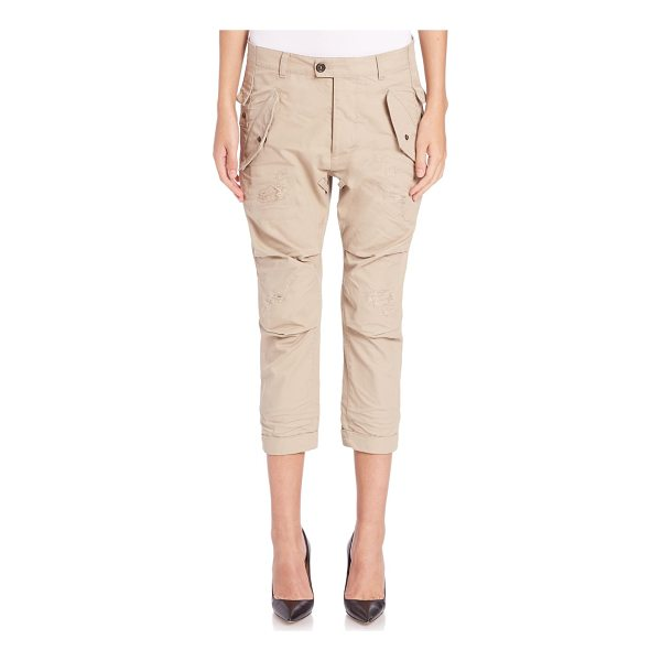 DSQUARED2 hiapa distressed cropped military pants - Cropped military pant of distressed cotton. Belt loops. Zip...