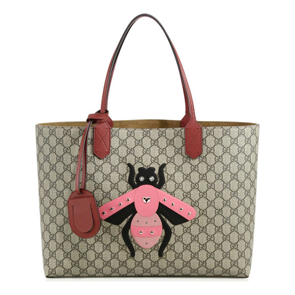 """GUCCI gg supreme bee tote - Double leather handles, 8"""" drop. Interior zipper and..."""
