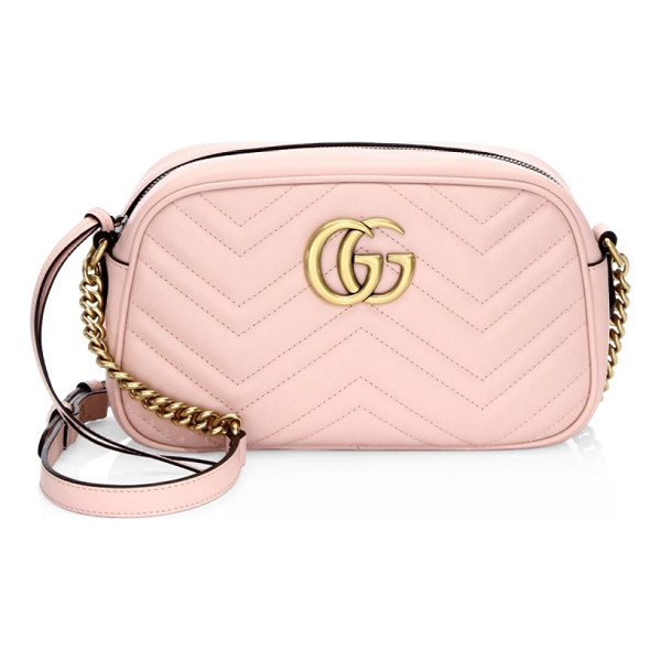 GUCCI gg marmont matelasse shoulder bag - A chic crossbody bag in quilted leather. Adjustable...