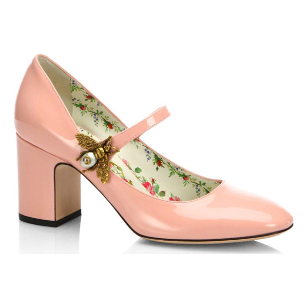 GUCCI lois patent leather mary jane pumps - .Classic patent leather pumps with metal bee closure....