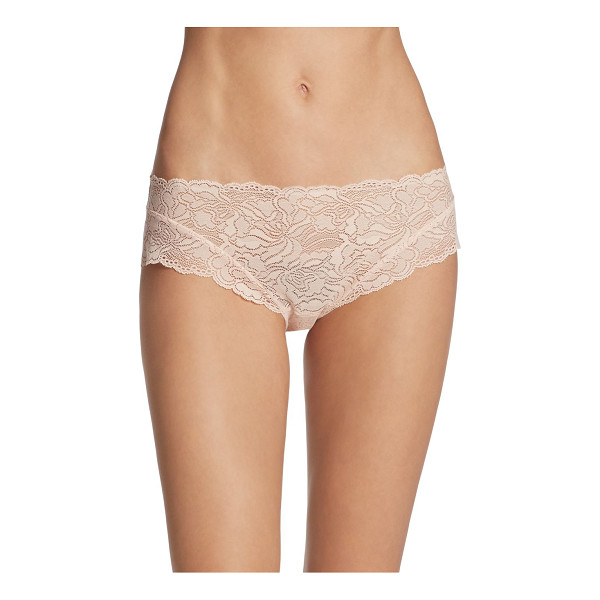 HANRO lulu laced hipster - Laced hipster deigned with scalloped trim detail. Pull-on...