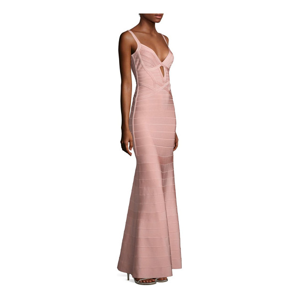 HERVE LEGER sleeveless v-neck gown - A front cutout details this fitted knit gown.V-neck....