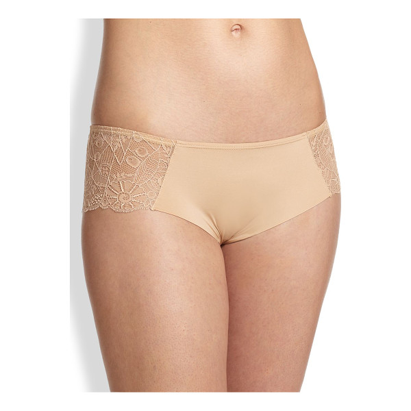 HUIT grand jeu boyshorts - This full-coverage style is defined by sexy, sheer lace...