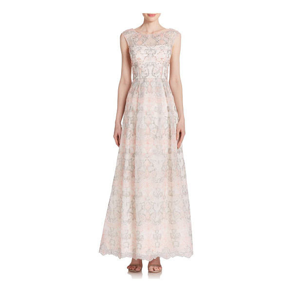 KAY UNGER Floral lace gown - Pretty floral lace in a two-tone hue offers this demure...