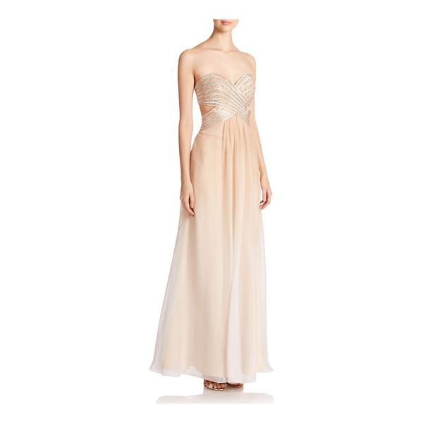 LA FEMME Embellished sweetheart gown - This ethereal ombré chiffon gown is elevated by a...