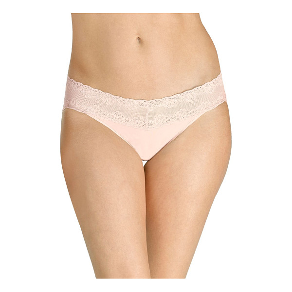 NATORI FOUNDATIONS bliss perfection thong - A wide band of stretch lace adds a feminine touch to a...