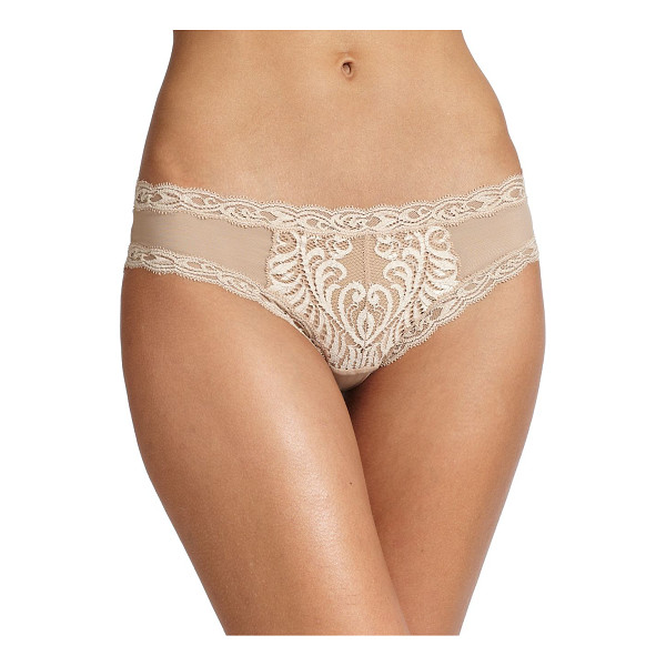 NATORI FOUNDATIONS feathers hipster panty - Sultry lace trimmings and an intricate design on breathable...