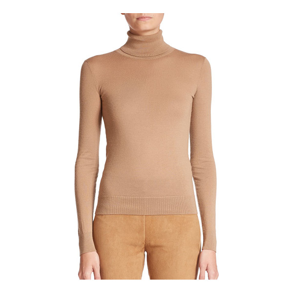 RALPH LAUREN COLLECTION Cashmere turtleneck sweater - This essential wardrobe staple is knit in a streamlined...