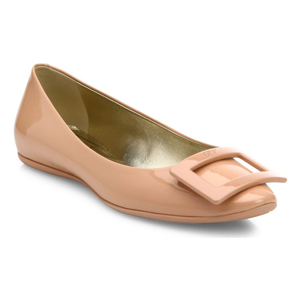 ROGER VIVIER gommette patent leather flats - Glossy patent leather flat with tonal pilgrim buckle....