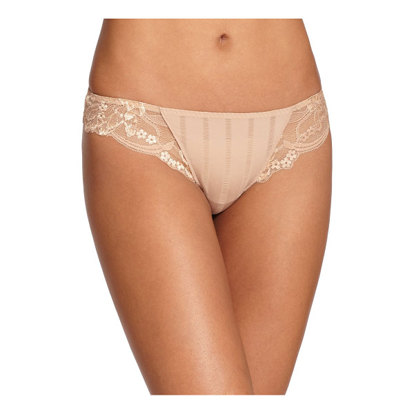 SIMONE PERELE amour tanga - Adorned with elegant Leavers lace, this lightweight style...