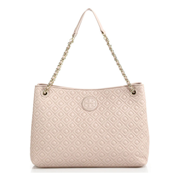 TORY BURCH marion quilted chain shoulder bag - A diamond-quilted texture elevates this softly structured...