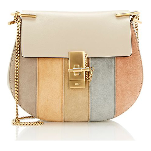 CHLOE Chloé drew medium crossbody-light grey - Crafted of beige grained leather, Chloé's Drew medium...