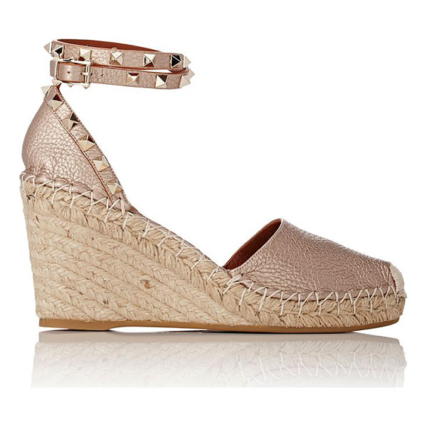 VALENTINO Rockstud ankle-strap wedge espadrilles-colorless siz - Valentino rose gold grained leather Rockstud wedge...