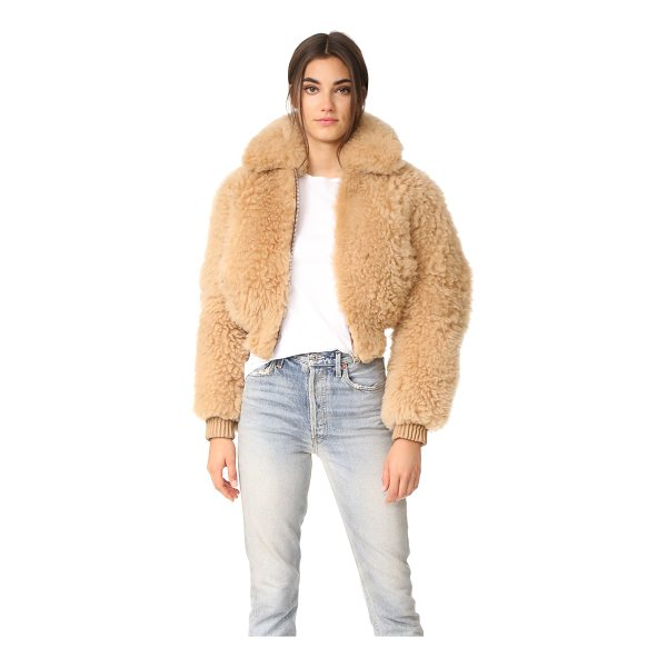 ACNE STUDIOS linne cropped shearling jacket - This super-plush Acne Studios cropped jacket is composed of...