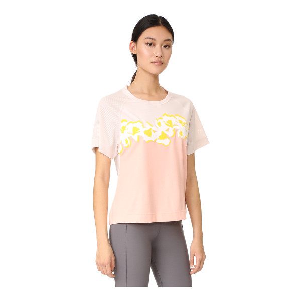 ADIDAS BY STELLA MCCARTNEY yoga flower tee - Bonded floral appliqués accentuate the soft color of this...
