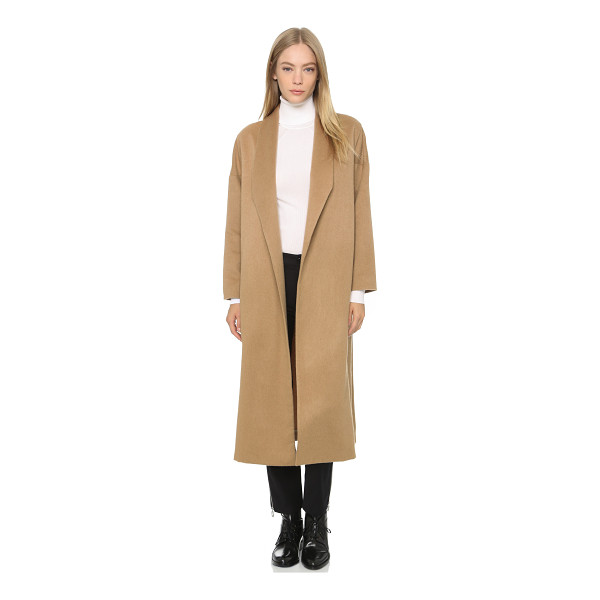 AYR The robe coat - A timeless AYR coat styled in soft wool felt. Lapels...