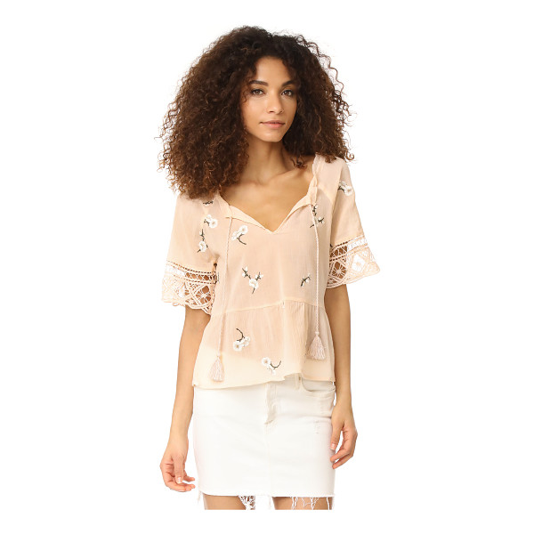 BB DAKOTA alecia embroidered lace trim top - This breezy BB Dakota blouse is embellished with floral...