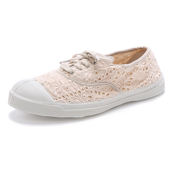 BENSIMON Tennis broderie anglaise sneakers - Embroidered Bensimon sneakers offer a feminine update to...