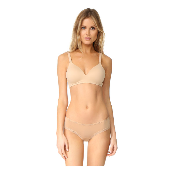 CALVIN KLEIN UNDERWEAR lounge bra - Molded cups create a smooth shape on this wire-free Calvin...