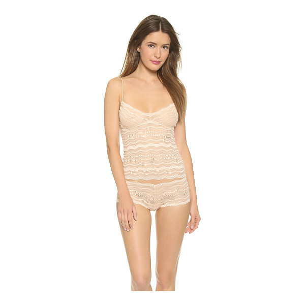 COSABELLA Ceylon long camisole - This scoop neck, stretch lace camisole features a built in...
