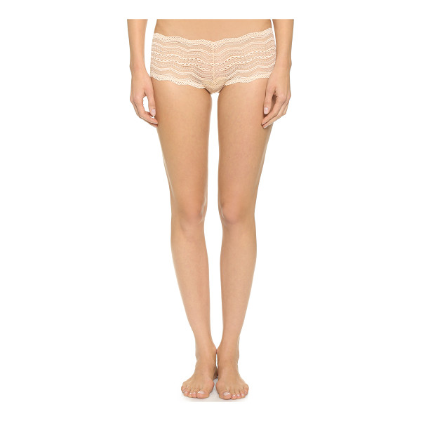 COSABELLA ceylon low rise boy shorts - These stretch-lace boy shorts have scalloped edges. Sheer....