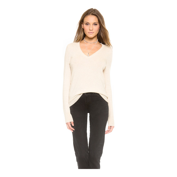 EQUIPMENT cecile v neck cashmere sweater - Soft cashmere lends cozy elegance to this loose fitting...