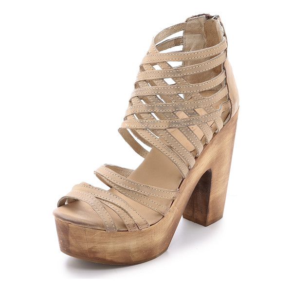 FREEBIRD BY STEVEN Costa strappy sandals - Dirtied leather straps form a sturdy lattice on these