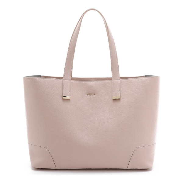 FURLA Stacy large tote - An elegant Furla tote in saffiano leather. Polished logo