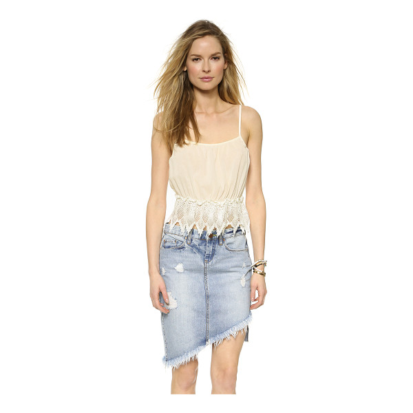 GLAMOROUS Lace crop cami - A cropped Glamorous camisole with intricate lace trim at...