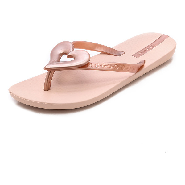 IPANEMA Neo love iii heart flip flops - Heart accents bring sweet personality to these Ipanema flip