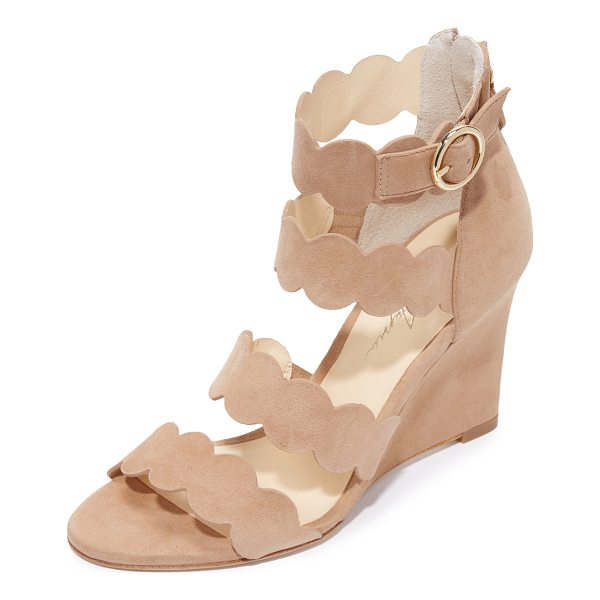 ISA TAPIA paloma wedge sandals - Suede Isa Tapia wedges featuring scalloped straps. Buckle...