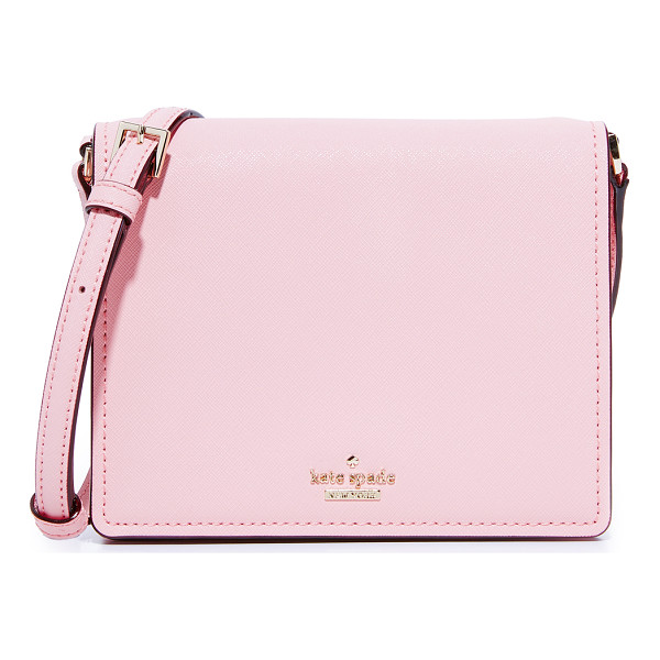 KATE SPADE NEW YORK small dody cross body bag - A slim Kate Spade New York cross-body bag in saffiano