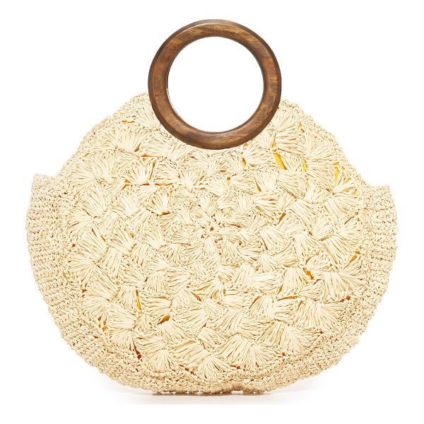 KAYU coco bag - A slim Kayu tote in woven straw. Magnetic top. Lined,...
