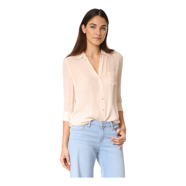 L'AGENCE ryan 3/4 sleeve blouse - A delicate silk L'AGENCE blouse. Fold-over collar and...