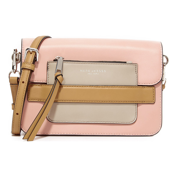 MARC JACOBS medium shoulder bag - A contrast zip pouch slots through a front loop, lending a