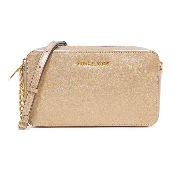 MICHAEL MICHAEL KORS medium jet set cross body bag - Polished logo lettering accents the front of this saffiano...