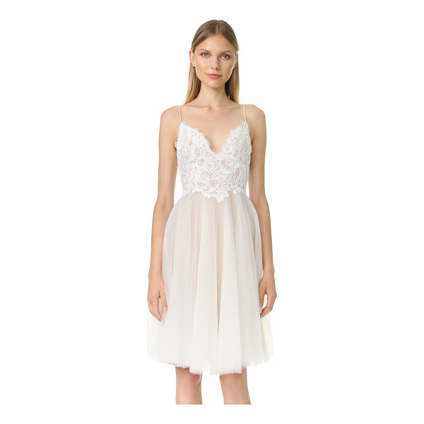 MONIQUE LHUILLIER BRIDESMAIDS kylie v neck dress - An elegant Monique Lhuillier dress made from airy layers of...