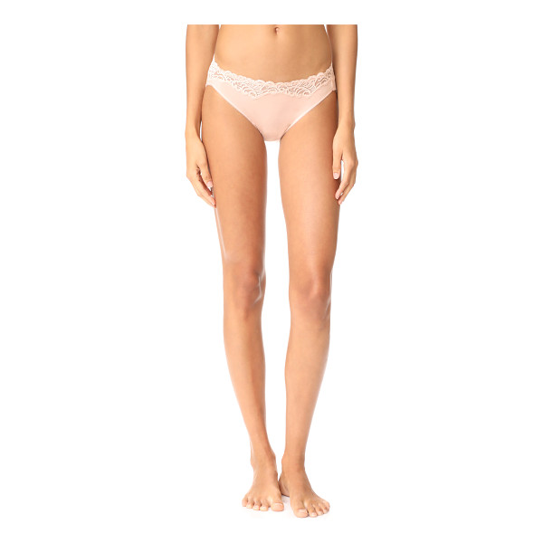 NATORI feathers essence bikini panties - Bikini-cut Natori panties with lace trim at the top edge....