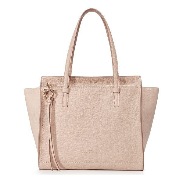 SALVATORE FERRAGAMO amy medium tote - A slouchy Salvatore Ferragamo tote in pebbled leather. Zip...