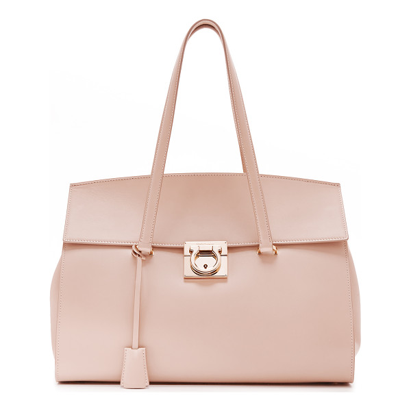 SALVATORE FERRAGAMO mara satchel - A structured Salvatore Ferragamo satchel with gathered...