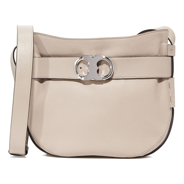 TORY BURCH gemini link cross body bag - A decorative belt with a polished logo buckle circles this